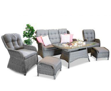 Living - Soffagrupp med tre-sits, bord och två stolar och puffar i gråmix rotting