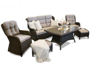 Living - Soffagrupp med tre-sits, bord och två stolar och puffar i chockladbrun rotting